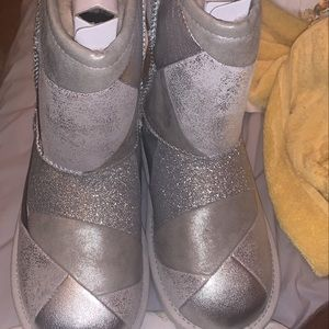 Uggs boots size 3 & 10c